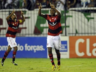Renato Abreu faz exames e assinará com o Santos na 2ª