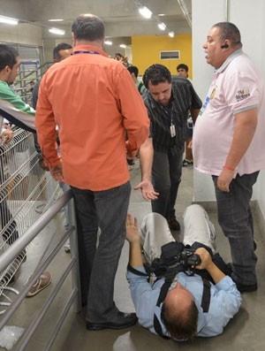 Caso Sasha: com dor na coluna, fotógrafo é afastado por dez dias