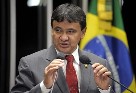 Em visita a municípios, Dias anuncia verba de R$ 79 mi