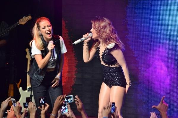 Wanessa canta ao lado de Luiza Possi durante show em São Paulo e Zilu chora de emoção; fotos!