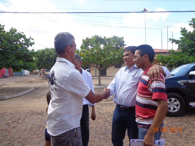 Senador Wellington Dias visita São José do Divino