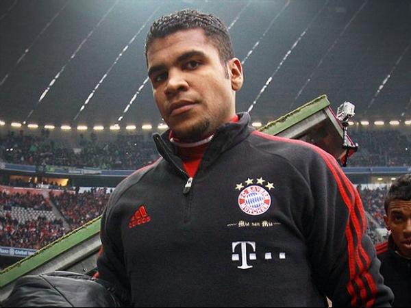 Após 13 meses na prisão, Breno volta a trabalhar no Bayern