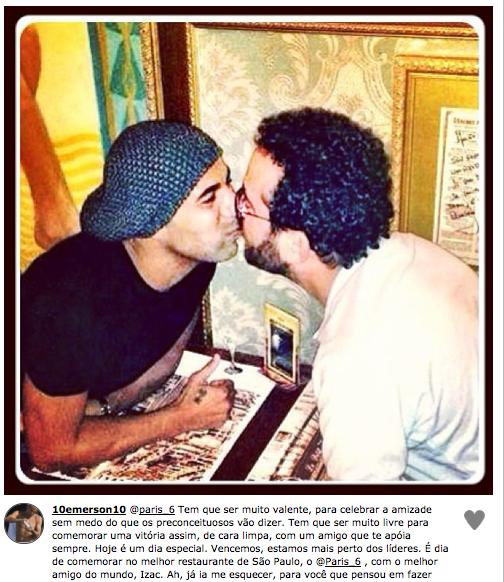 Emerson Sheik cria polêmica ao postar fotografia em que dá selinho em amigo