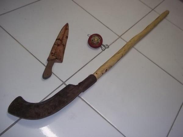 Por ciúmes, homem é assassinado a golpes de foice e várias facadas