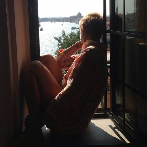 Junno Andrade posta foto de Xuxa em Veneza e se declara: