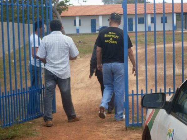 Ladrões invadem colégio e fazem rapa em laboratório de informática
