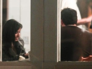 Após show, Anitta sai para jantar com humorista do