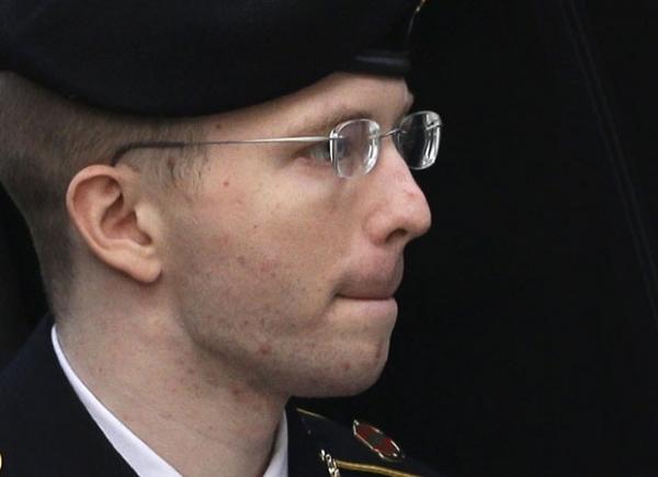 Soldado do caso WikiLeaks diz ser mulher e quer ser chamado