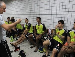 Vasco põe fim à concentração, e Juninho aprova: