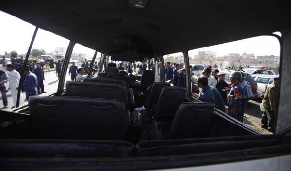 Atentado a bomba no Iêmen atinge ônibus com membros da força aérea
