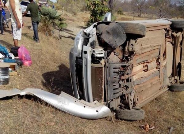 Colisão entre carro e vaca deixa um ferido na PI-115