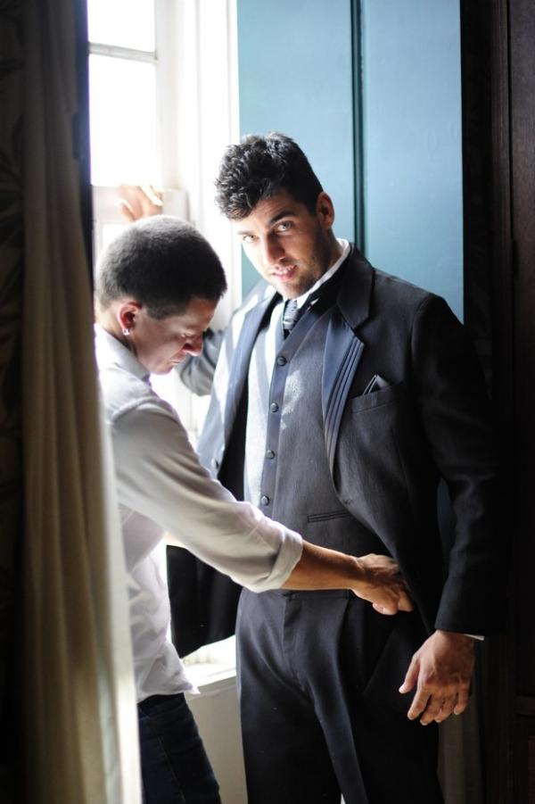 Juiz bonitão: Diego Pombo faz ensaio sensual para capa de revista