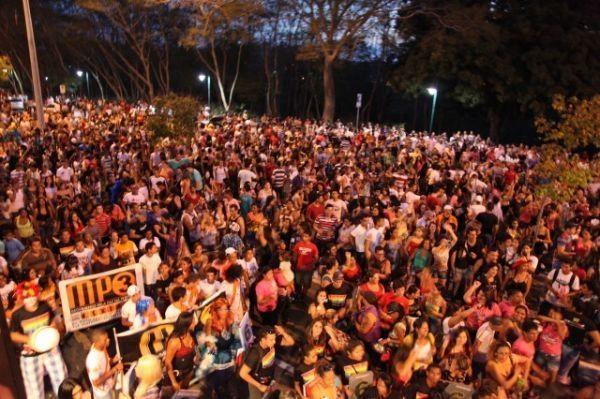 Parada Gay acontece hoje em Teresina; Daniela Marcury animará o evento