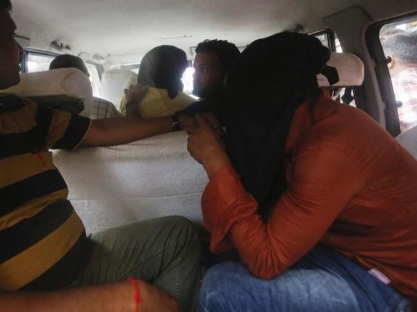 Polícia da Índia prende mais 2 suspeitos de estuprar fotógrafa