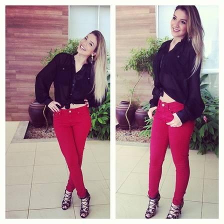 Irmã de Luan Santana deixa Londrina para estudar interpretação em São Paulo   Leia mais: http://extra.globo.com/famosos/irma-de-luan-santana-deixa-lon