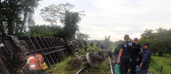 Trem descarrila no México e mata seis imigrantes