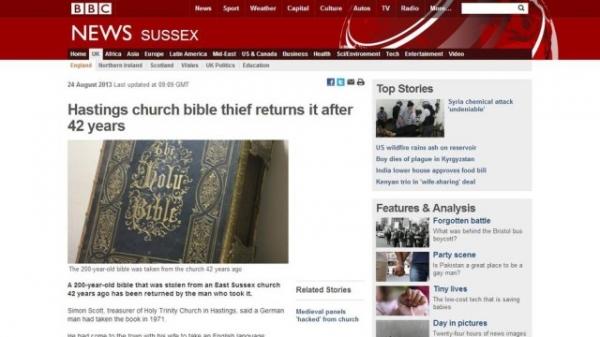 Homem devolve bíblia de 200 anos após ela ter sido roubada há 42, na Inglaterra