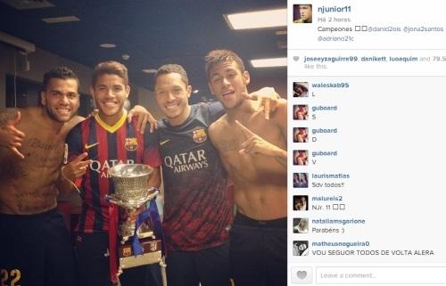 Jogadores do Barcelona comemoram Supercopa nas redes sociais
