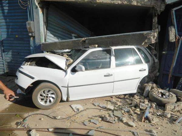 Carreta que destruiu poste e carro em Picos é apreendida em Cova Donga, no Ceará