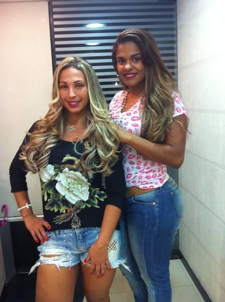 Valesca Popozuda gasta R$ 4 mil com megahair e revela que tem preguiça de cuidar do cabelo em casa