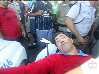 Polícia investiga suposta agressão de guardas a  camelô deficiente no Rio