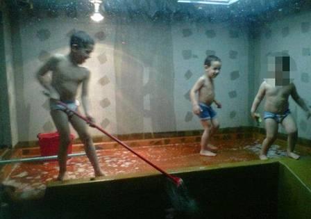 Irmãos mortos estrangulados por cobra já tinham brincado de limpar aquário onde viviam répteis