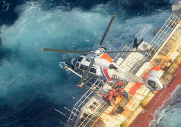 Naufrágio mata ao menos 4 pescadores chineses na Polinésia