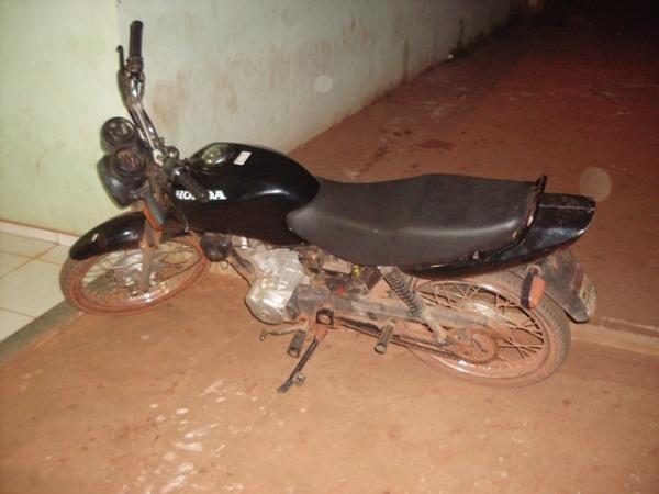 Moto furtada de militar em Campo Maior é recuperada e acusado é preso