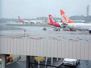 Piloto que passou mal durante voo morre em hospital na Bahia