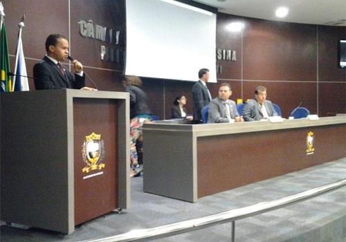 Vereador Edvan Silva propõe desmembramento de comissões da CMT