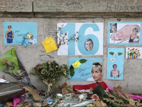 Fãs fazem homenagem para Diana, nos 16 anos da morte da princesa