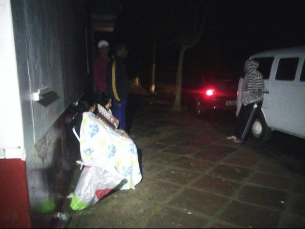 Moradores de região alagada fazem vigília para evitar saques no RS