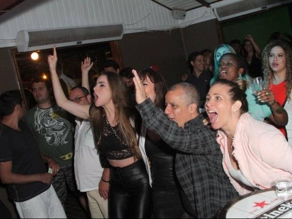 Rayanne Morais e Latino vão à festa organizada por Eri Johnson