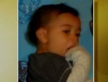 Bebê de um ano é morto com tiro na cabeça