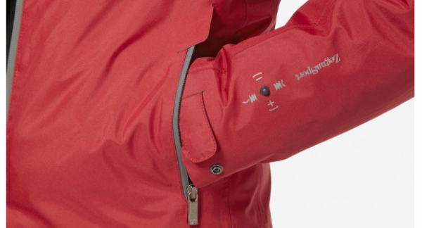 Empresa lança jaqueta com Bluetooth e joystick na manga