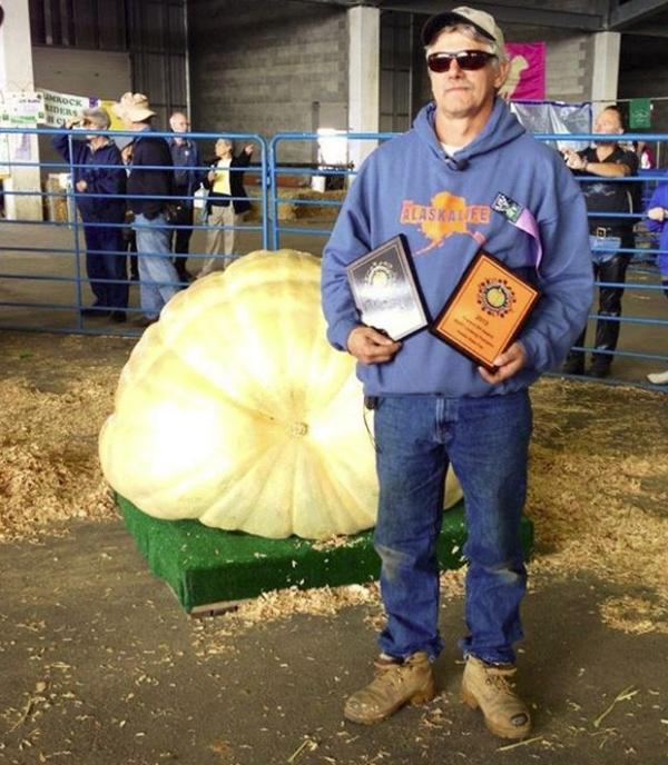 Americano vence concurso com abóbora gigante de 536 kg