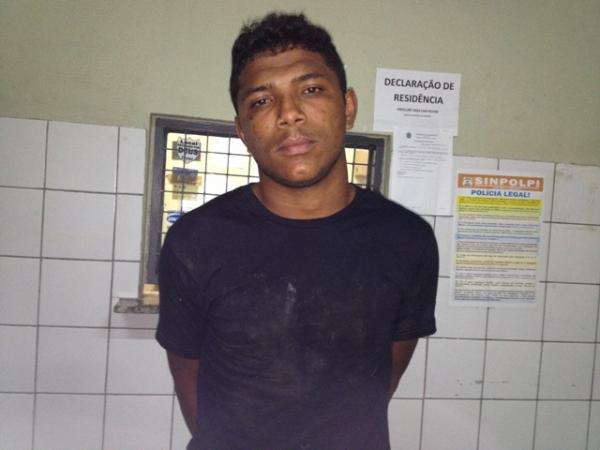 Força Tática prende homem que esfaqueou desafeto em seresta
