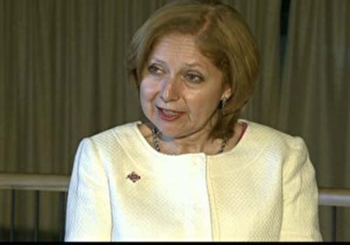 Nova embaixadora dos EUA chega a Brasília sem comentar espionagem