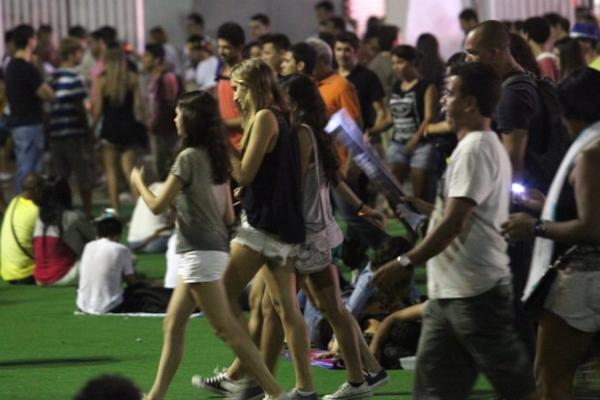 Sasha curte Rock in Rio no meio da multidão