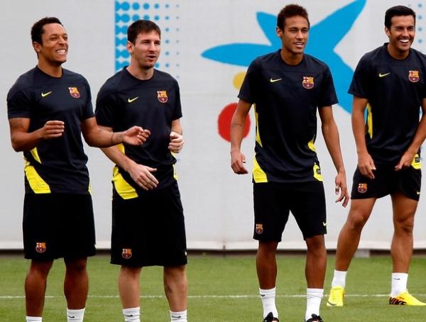 Inseparáveis, Messi e Neymar se preparam para duelo com o Ajax