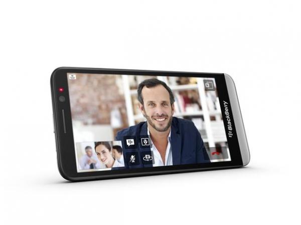 BlackBerry apresenta novo smartphone BlackBerry Z30 com tela de 5 polegadas