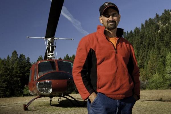 Ex participante de série sofre queda de helicóptero e morre nos EUA