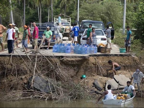Ciclones matam pelo menos 80 no México e deixam 58 desaparecidos