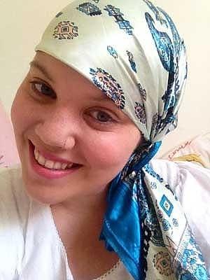Jovem do DF cria blog em que relata com otimismo luta contra o câncer