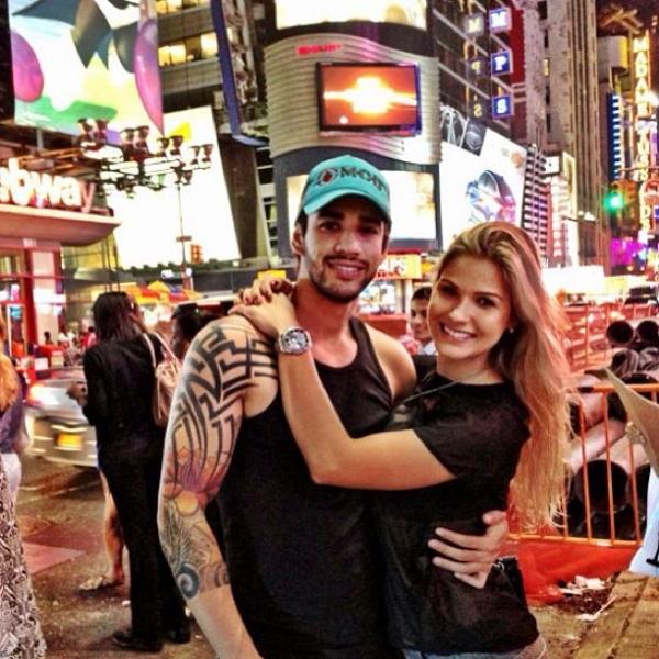 Gusttavo Lima curte viagem aos EUA com a noiva, Andressa Suita