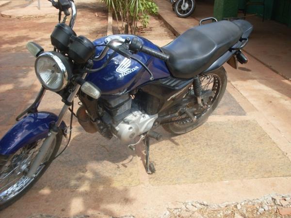 Polícia evita assalto e recupera motocicleta durante perseguição na PI-113