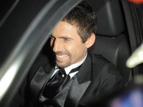 Cantor sertanejo foi condenado por posse ilegal de arma, disse jornal
