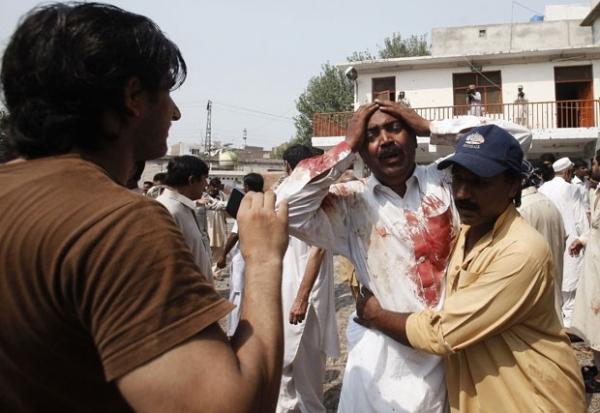 Duplo atentado contra igreja deixa ao menos 53 mortos no Paquistão