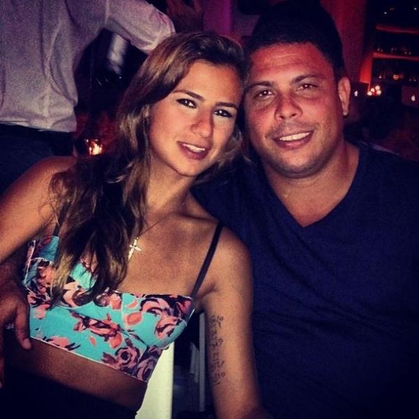 Paula Morais se declara para Ronaldo em seu aniversário: