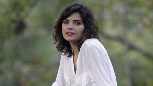 Vanessa Giácomo, a Aline de ?Amor à vida?, não tolera traição: ?Sou superfiel?